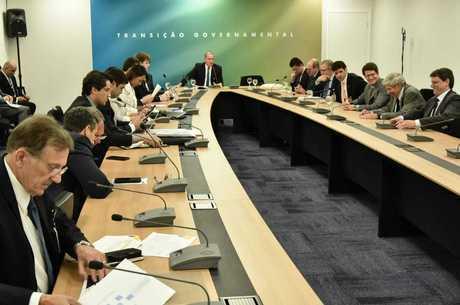 Ministros de Bolsonaro tomarão posse em 2 de janeiro