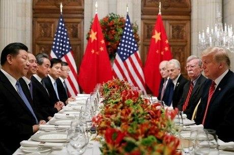 Xi (e.) e Trump (d.) se encontraram em Buenos Aires