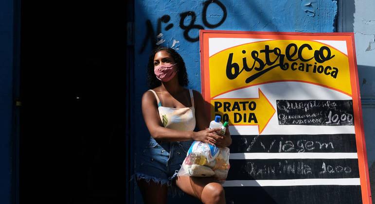 72% das mulheres de favela são responsáveis pela maior parte da renda da casa