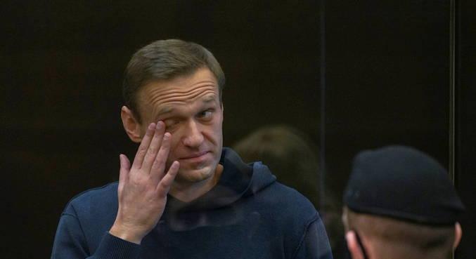 Alexei Navalny anuncia fim de greve de fome em prisão