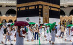 Muslim pilgrims circle the Kaaba at the Grand mosque during the annual Haj pilgrimage amid the coronavirus disease (COVID-19) pandemic, in the holy city of Mecca, Saudi Arabia July 29, 2020. Saudi Press Agency/Handout via REUTERS ATTENTION EDITORS - THIS PICTURE WAS PROVIDED BY A THIRD PARTY.
