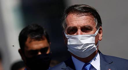 """""""Foi dividido"""", diz Bolsonaro sobre derrota na Câmara"""