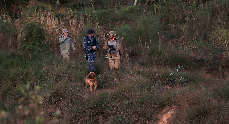 Policiais atuam em força tarefa que busca por Lázaro Barbosa em Goiás