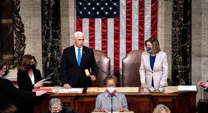 Democratas dão 24 horas para Mike Pence ativar 25ª emenda
