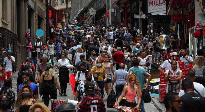 Mortes pelo coronavírus no Brasil continuam em alta