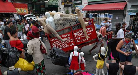 País monitora mais 770 mil casos de covid