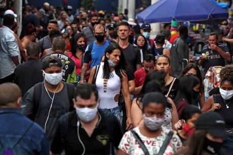Brasil tem mais de 7,3 milhões de casos de covid-19
