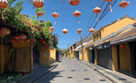 A view of an empty street of Hoi An, an ancient tourism town, south of Da Nang city, Vietnam, after new cases of the novel coronavirus disease (COVID-19) were detected in the area, July 28, 2020. Paul Mooney/Handout via REUTERS. NO RESALES NO ARCHIVES. THIS IMAGE HAS BEEN SUPPLIED BY A THIRD PARTY.