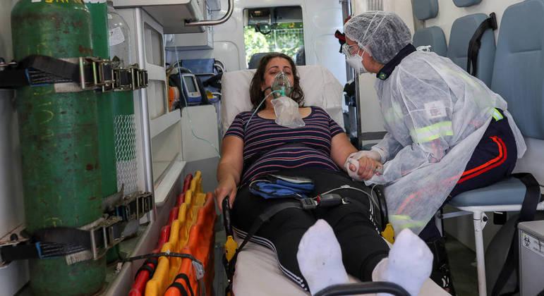 Nesta semana o Brasil ultrapassou a marca de 300 mil mortes por covid-19