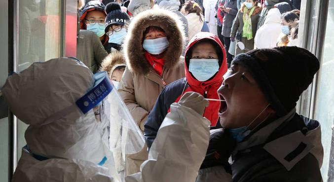 China tem mais de 100 casos de covid-19 pela primeira vez desde julho