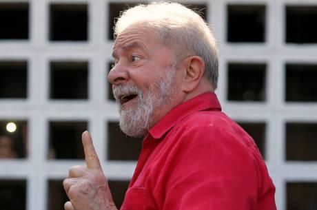 """Defesa de Lula classifica decisão como """"muito relevante"""""""