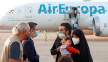 Avião militar com quase 200 afegãos chega à Itália