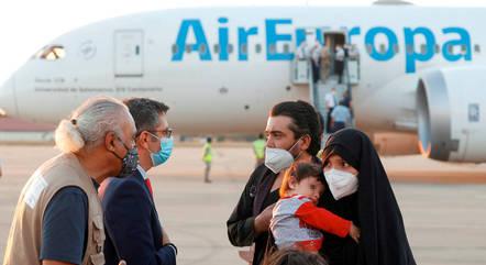 Força Aérea italiana ajuda a retirar civis do Afeganistão