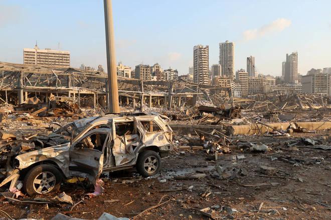 Cena do local da megaexplosão na capital do Líbano