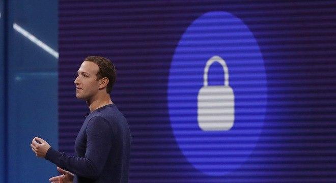 Mark Zuckerberg durante conferência anual para desenvolvedores organizada pelo Facebook