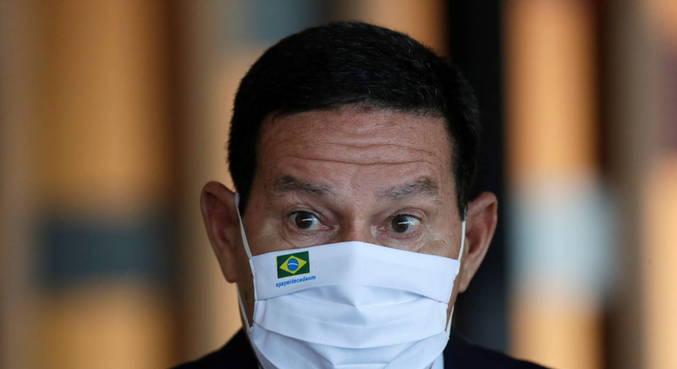 """Mourão diz que maior parte dos eleitores de Bolsonaro vota nele """"pela pessoa"""""""