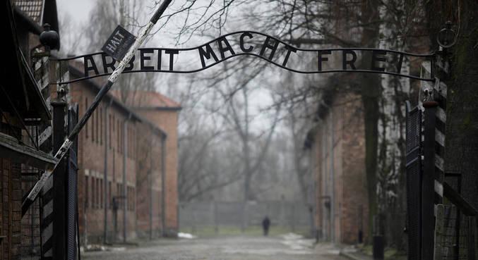 Na Alemanha, lembrar Holocausto é fazer advertência sobre o futuro