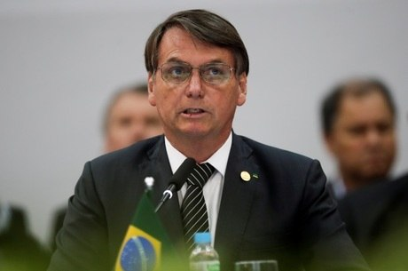 Jair Bolsonaro descarta volta de imposto sindical