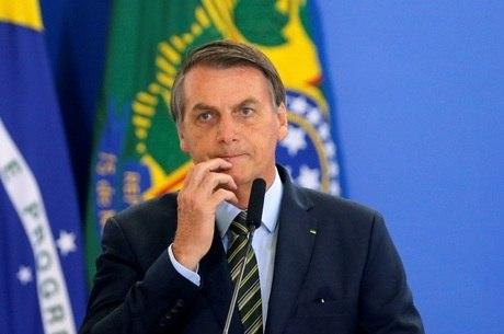 Grass cita 5 crimes de responsabilidade de Bolsonaro