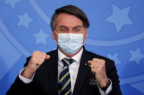 Ações contra Bolsonaro serão arquivadas temporariamente