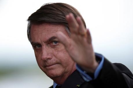 """""""Desemprego está vindo a galope"""", avaliou Bolsonaro"""