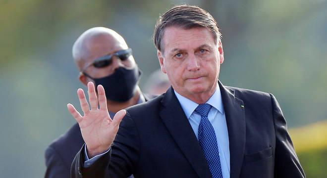 Advogada de Bolsonaro diz que presidente não pode ser responsabilizado por atos de eleitores