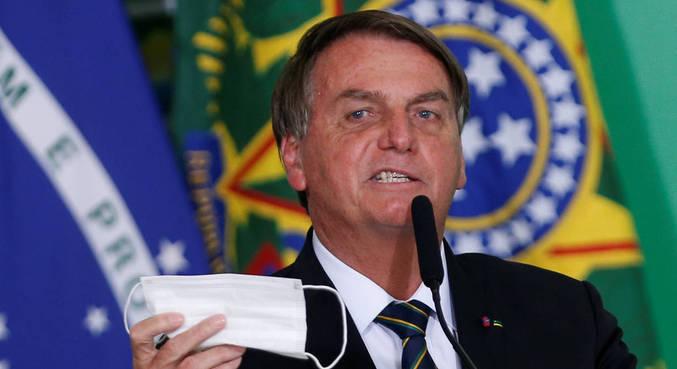 Bolsonaro disse que pediu estudo sobre o uso de máscaras ao ministro da Saúde