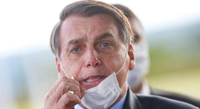 Bolsonaro exige uso da cloroquina e nega que Teich possa ser ...