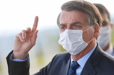 """Jair Bolsonaro: """"Vão cair do cavalo de novo"""""""
