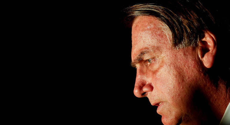 Bolsonaro foi diagnosticado com uma obstrução intestinal