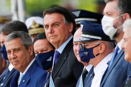 Bolsonaro conversou com apoiadores em Brasília