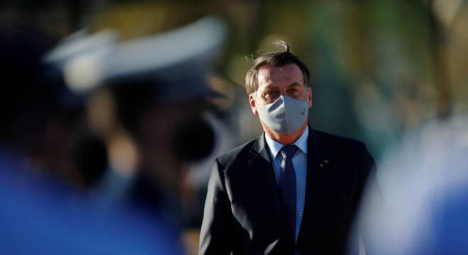 Bolsonaro amplia vetos sobre a lei que torna obrigatório uso de máscara