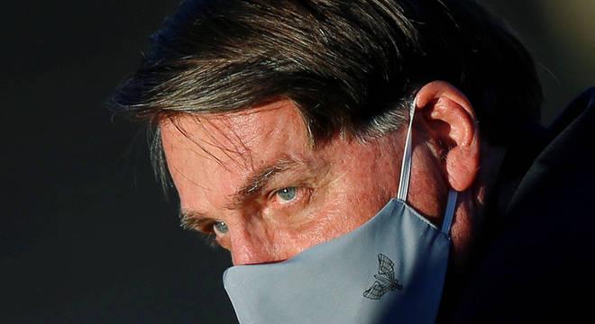 Congresso derruba veto de Jair Bolsonaro (imagem) ao uso de máscaras