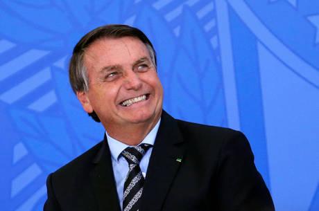 """""""O governo está dando certo"""", comemorou Bolsonaro"""