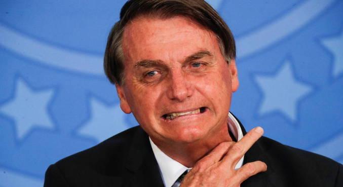 Bolsonaro questionou, em live, as investigações que envolvem os filhos Flávio e Carlos no RJ