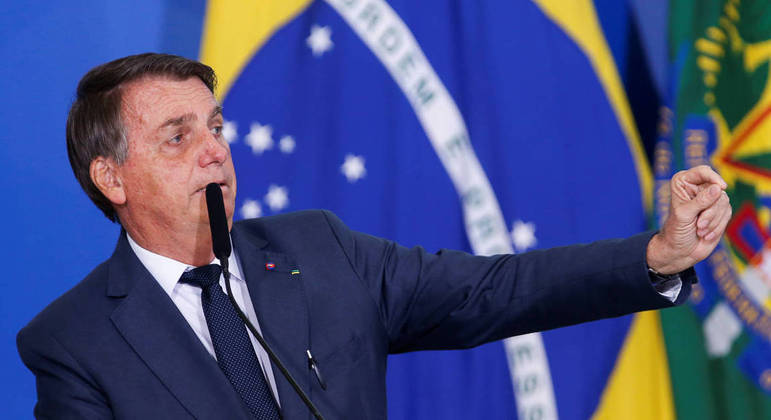 Presidente voltou a dizer que só aceitará resultados das urnas se as eleições forem 'limpas'
