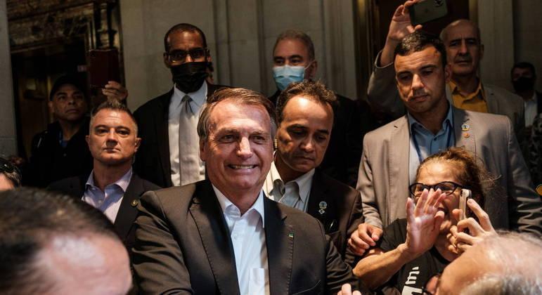 Presidente Bolsonaro transitou sem máscara em Nova York nesta semana