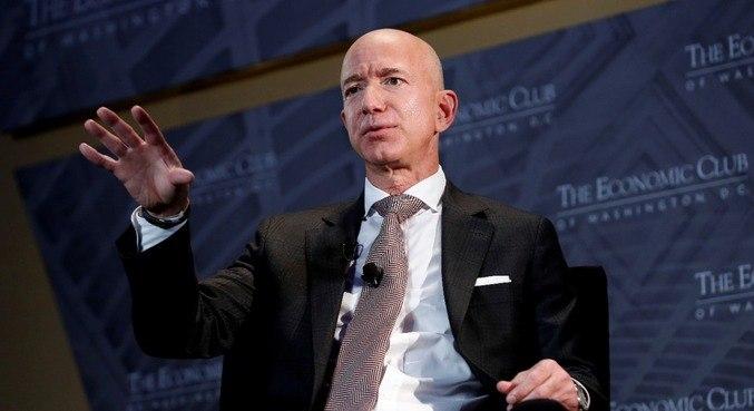 Jeff Bezos, fundador da Amazon, voltou para o primeiro lugar dos mais ricos do mundo