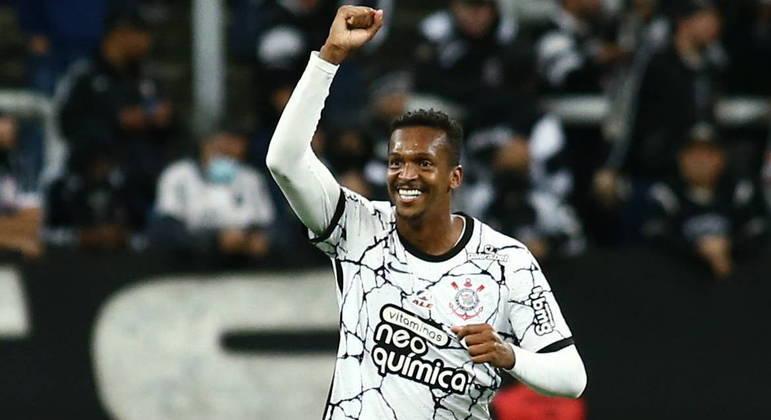 Jô sofreu muito desde que voltou ao Corinthians em junho de 2020