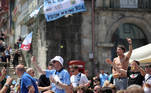 Soccer Football - Champions League - Fans in Porto ahead of the Champions League Final Manchester City v Chelsea - Porto, Portugal - May 29, 2021 Manchester City fans gather in Porto ahead of the match REUTERS/Carl Recine