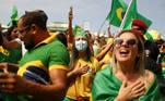 Supporters of President Jair Bolsonaro march in a show of support in Rio de Janeiro, Brazil, September 7, 2021. REUTERS/Pilar Olivares