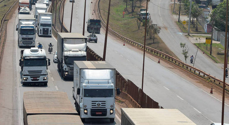 Caminhoneiros bloquearam rodovias em apoio ao presidente Jair Bolsonaro