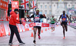 Athletics - London Marathon - London, Britain - October 4, 2020 Ethiopia's Shura Kitata wins the elite men's race Pool via REUTERS/Richard Heathcote TPX IMAGES OF THE DAY