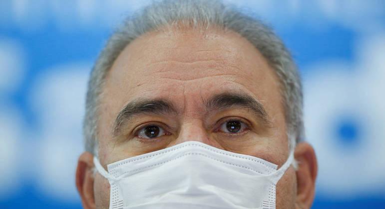 Ministro da Saúde Marcelo Queiroga afirmou que um estudo balizará decisão sobre terceira dose