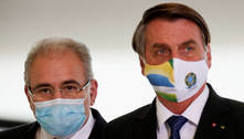 Parecer para desobrigar máscaras está em estudo, diz Queiroga
