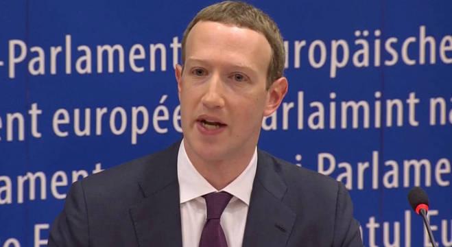 Zuckerberg durante sabatina no Parlamento Europeu