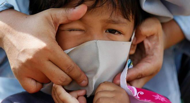 OMS e Unicef informam sobre uso de máscaras em crianças