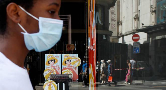Uso da máscara é obrigatório em mais de 160 países por causa da covid-19