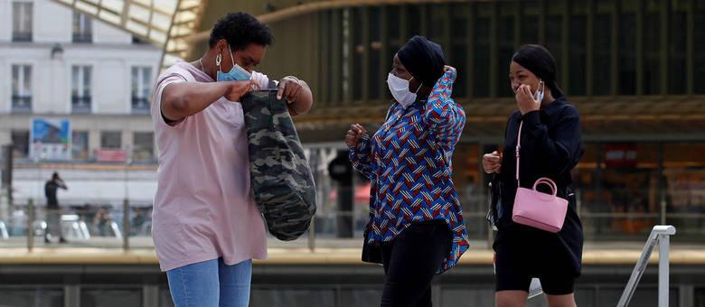 Empresa uruguaia cria software para contabilizar pessoas usando máscara pela rua