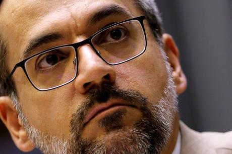 """Em depoimento, Weintraub refuta racismo: """"fiz comentário geopolítico"""""""